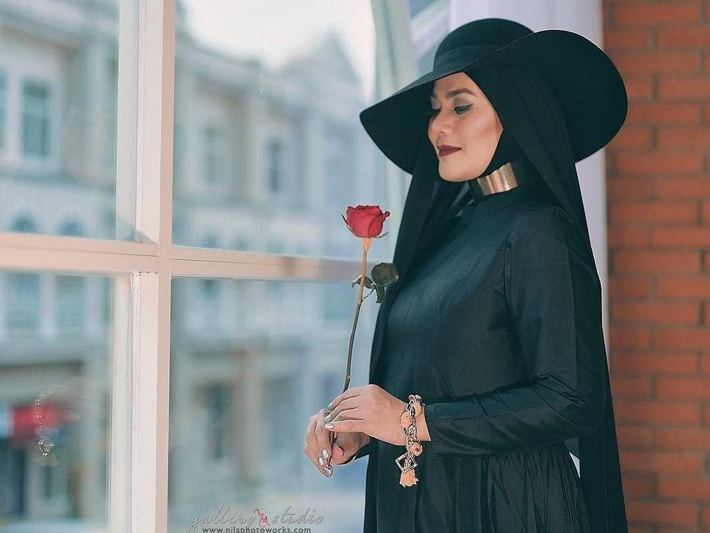 Sarita Abdul Mukti Resmi Menjanda dari Faisal Haris