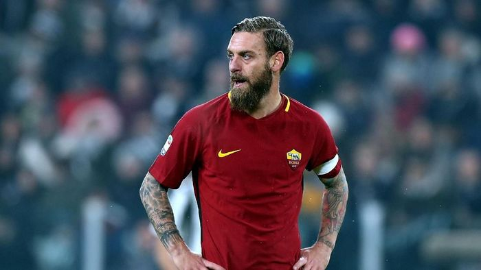 AC Milan dikabarkan tertarik menampung Daniele De Rossi. (Foto: Gabriele Maltinti/Getty Images)
