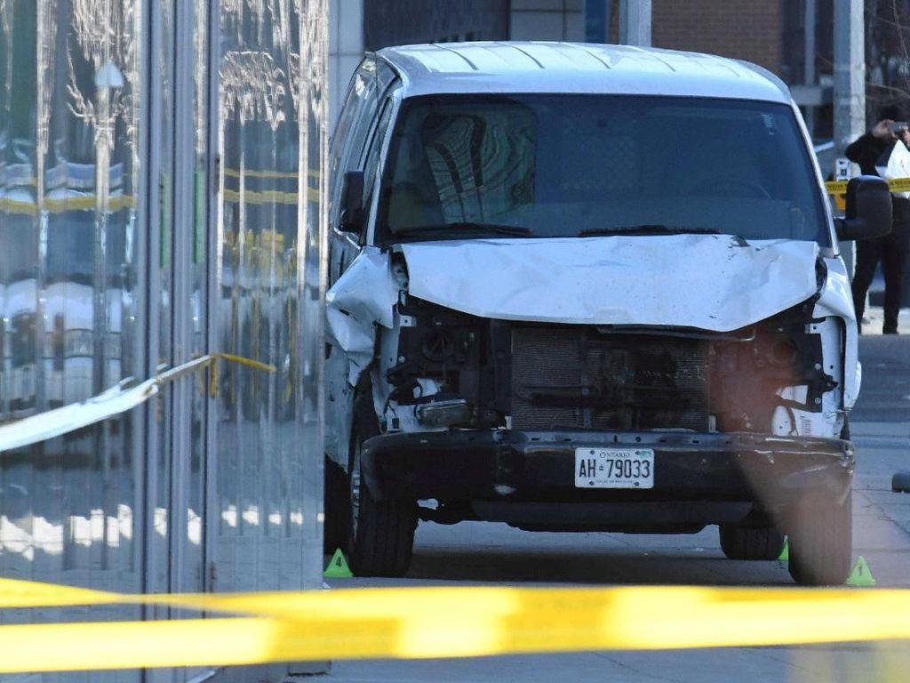Tolak Menembak Penabrak Mati 10 Orang, Polisi Kanada Dipuji