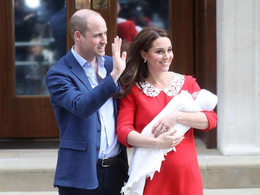 Tampak Sederhana, Dress Kate Middleton Saat Keluar RS Capai Ratusan Juta