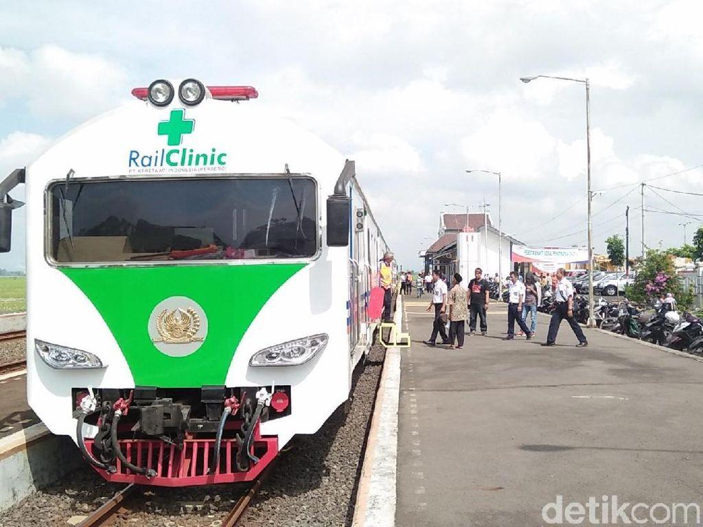 Kereta Medis Mampir di Stasiun Losari Cirebon