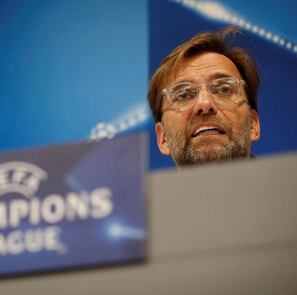 Pesan Klopp untuk Fans Liverpool: Jangan Lempari Bus Roma