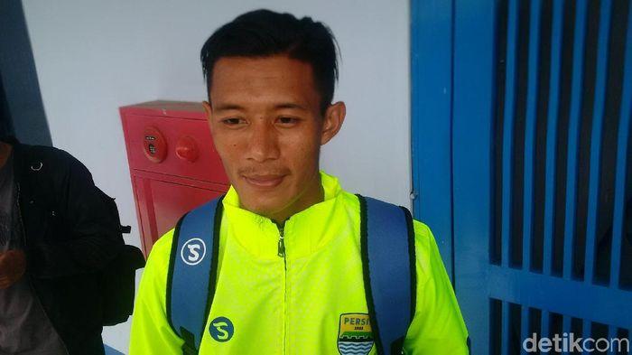 Henhen Herdiana, bek Persib Bandung (Mochamad Solehudin/detikSport)