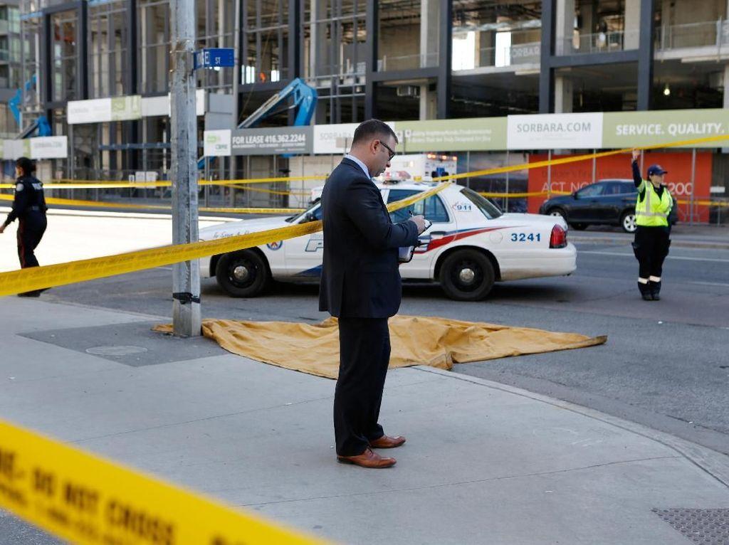 2 Orang Tewas dalam Insiden Van Tabrak Pejalan Kaki di Toronto