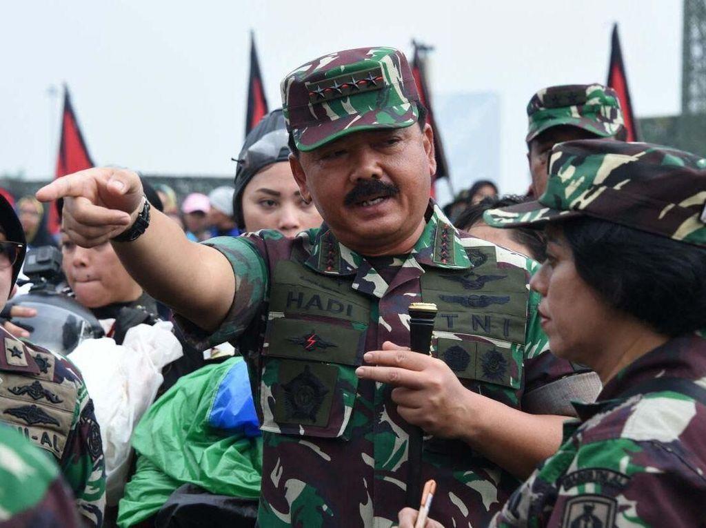 Gladi Bersih Apel Bersama Wanita TNI