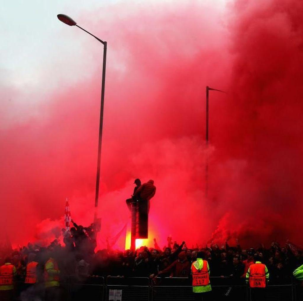Dua Fans Roma Ditangkap Usai Bikin Seorang Fans Liverpool Kritis