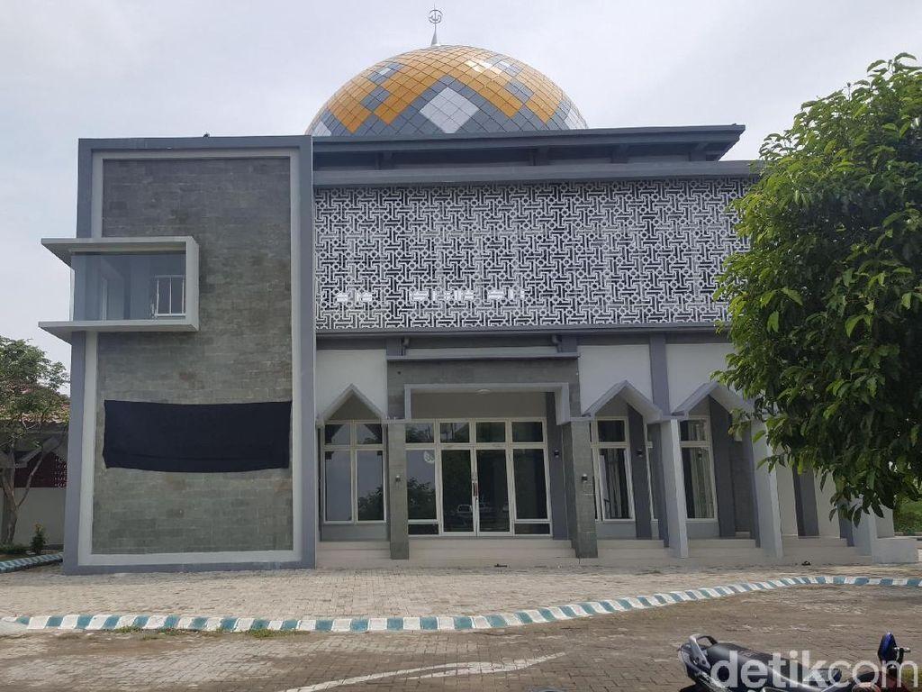 Kaligrafi di Masjid Bandara Malang yang Disebut Mirip Salib Ditutup