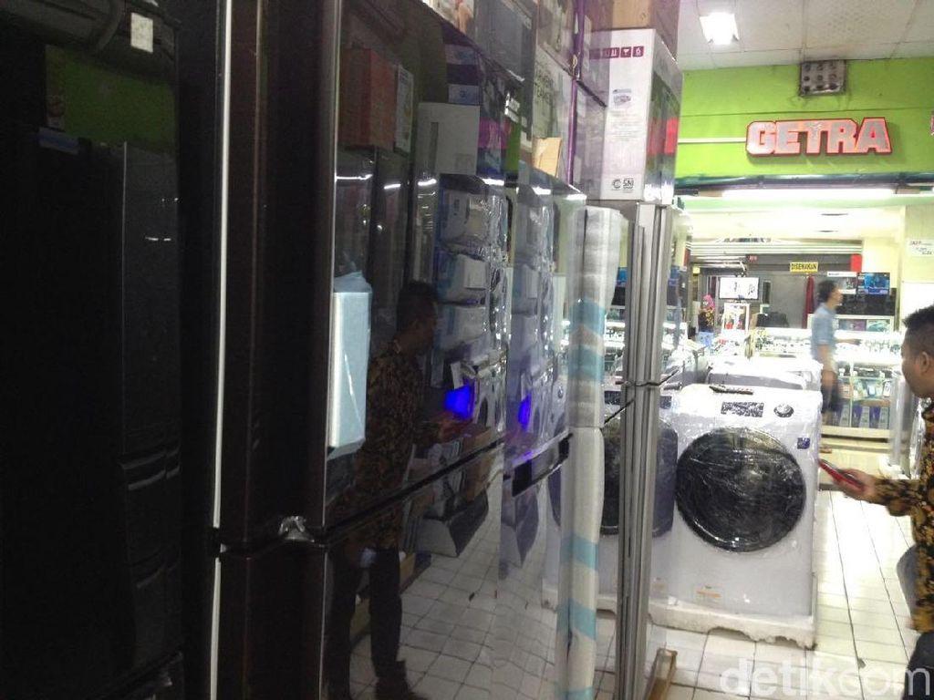 Dolar Mengamuk, Pedagang Elektronik Ogah Tambah Stok
