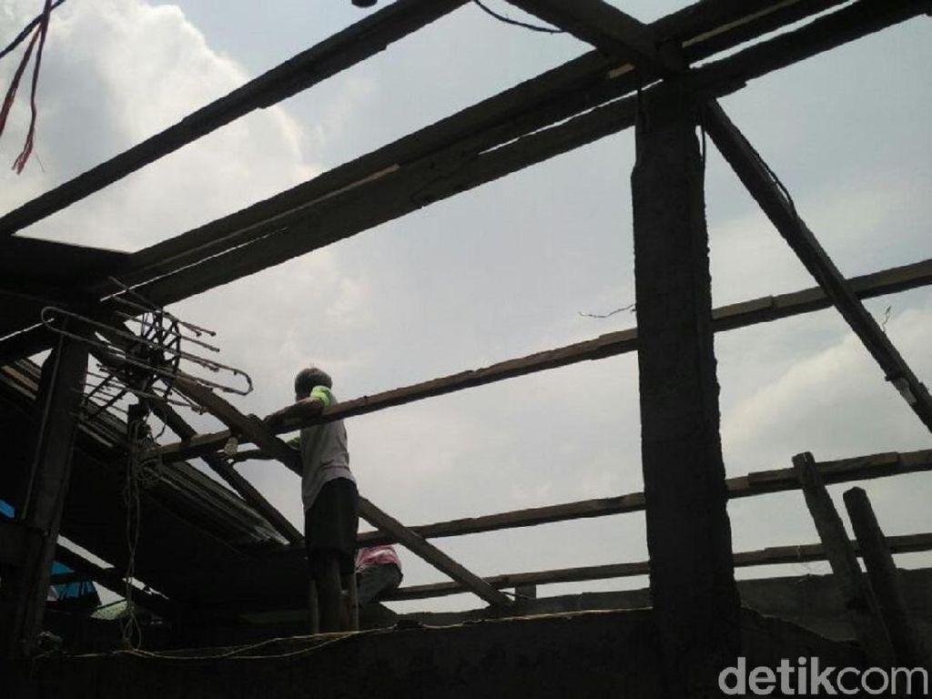 Korban Puting Beliung Terpaksa Berutang untuk Perbaiki Rumah