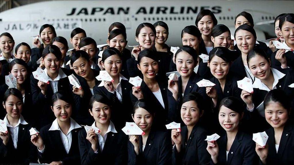 Foto: 1.600 Buah Pesawat Kertas Maskapai Jepang