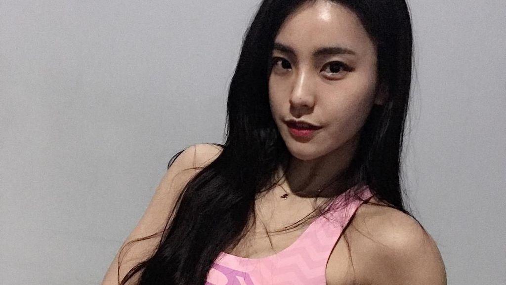 Ini Kim Aoyoung, Pelatih Kebugaran Berwajah Imut Tapi Badannya Kekar