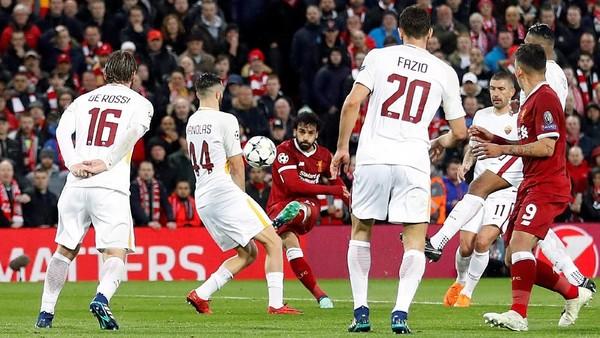 Dua Gol Salah Bawa Liverpool Memimpin 2-0
