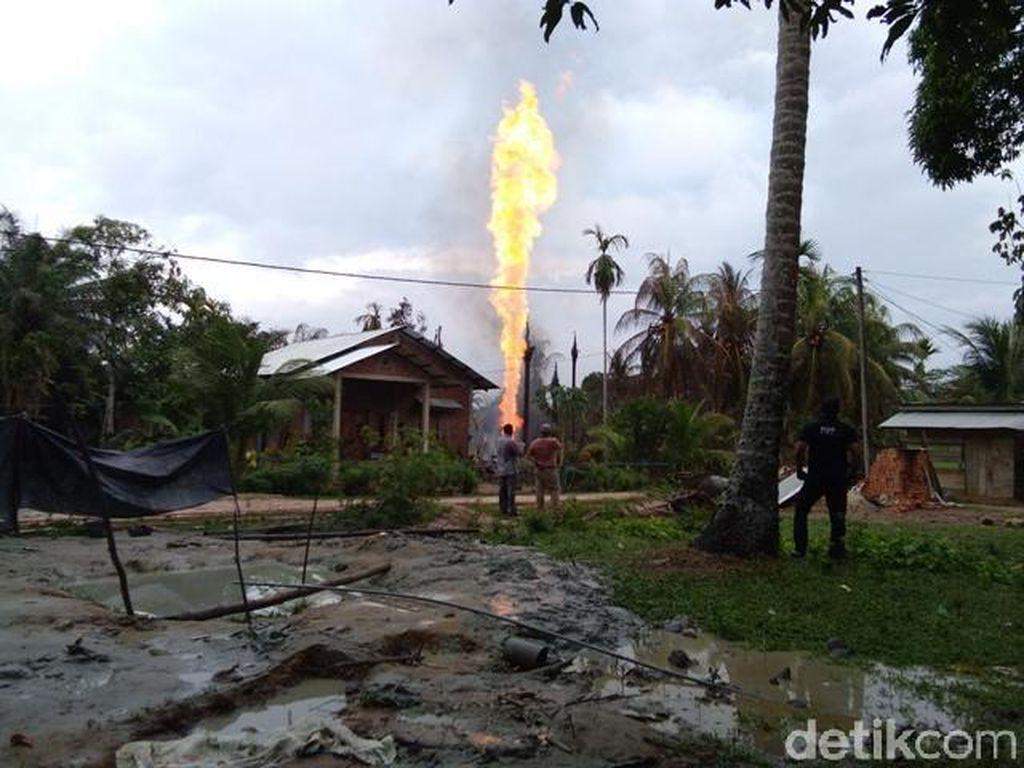Sumur Minyak Ilegal Ditutup, Warga Aceh Demo Kantor DPRD
