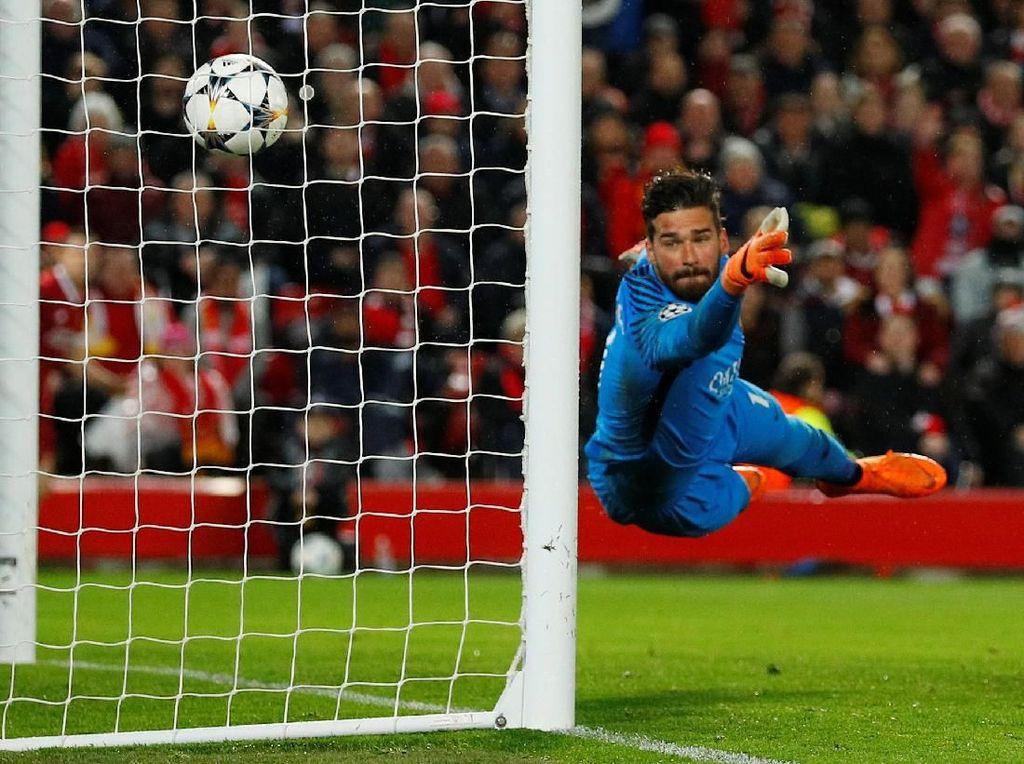 Alisson Bisa jadi Rekrutan Terpenting Liverpool Musim Panas Ini