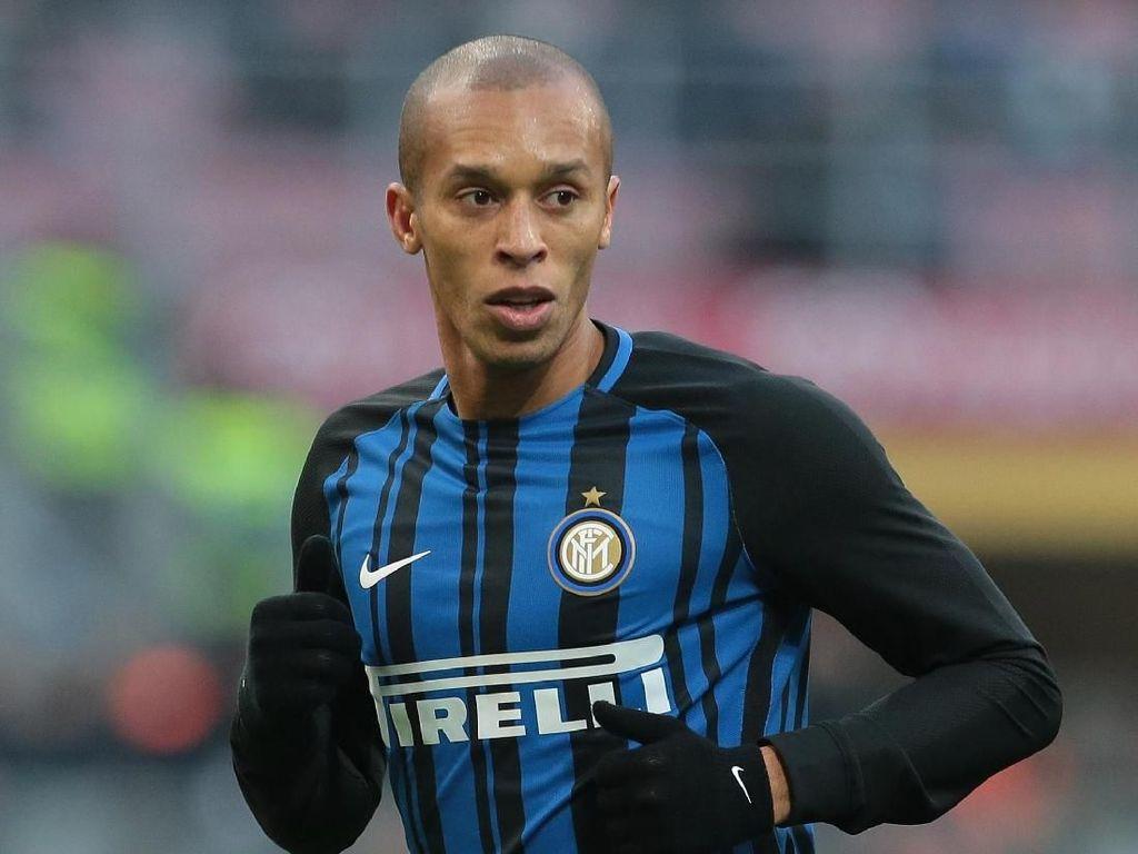 Miranda Masih Ingin Bertahan di Inter, tapi...