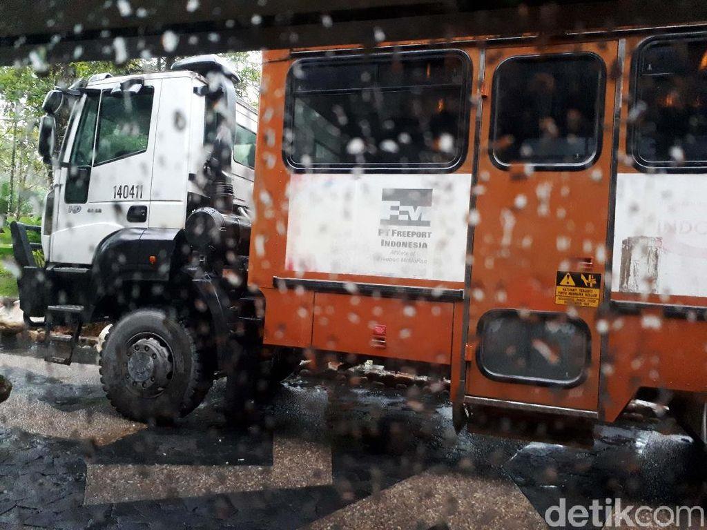 Ini Bus Anti Peluru Freeport dari Timika ke Tembagapura