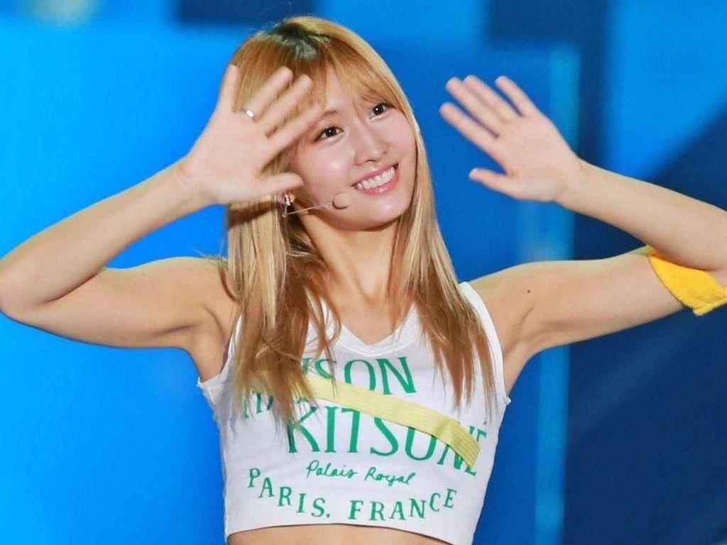 7 Artis K-pop Wanita dengan Perut Paling Seksi, Bikin Iri!