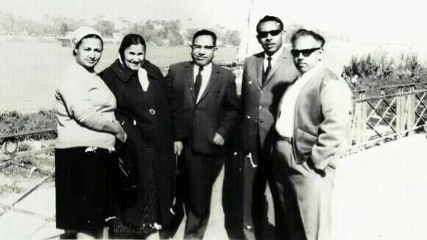 Ali Bakstir dan keluarga