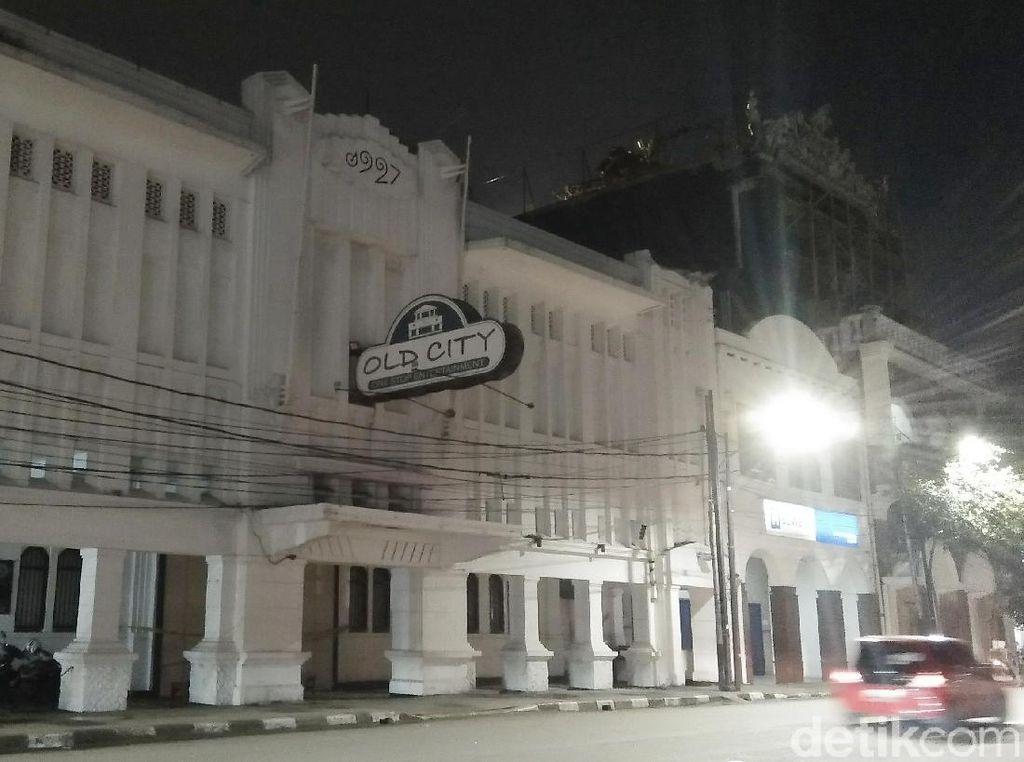 Penampakan Diskotek Old City yang Disegel Police Line