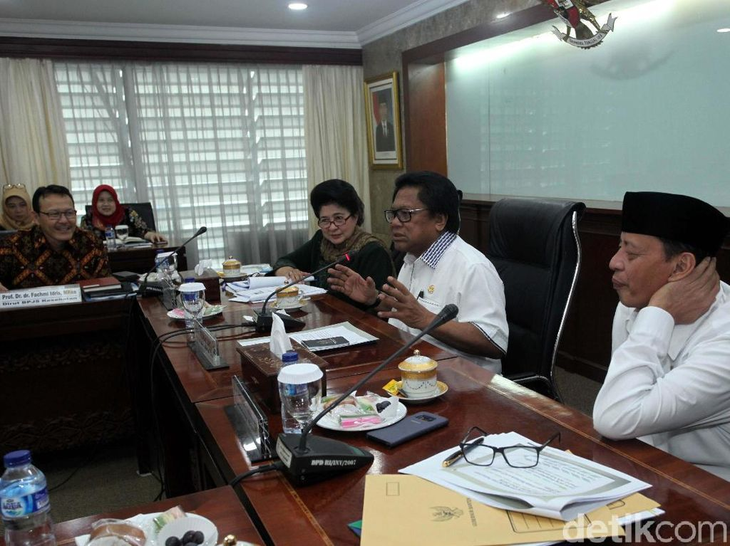 Menkes Hadiri Rapat dengan Senator Banten