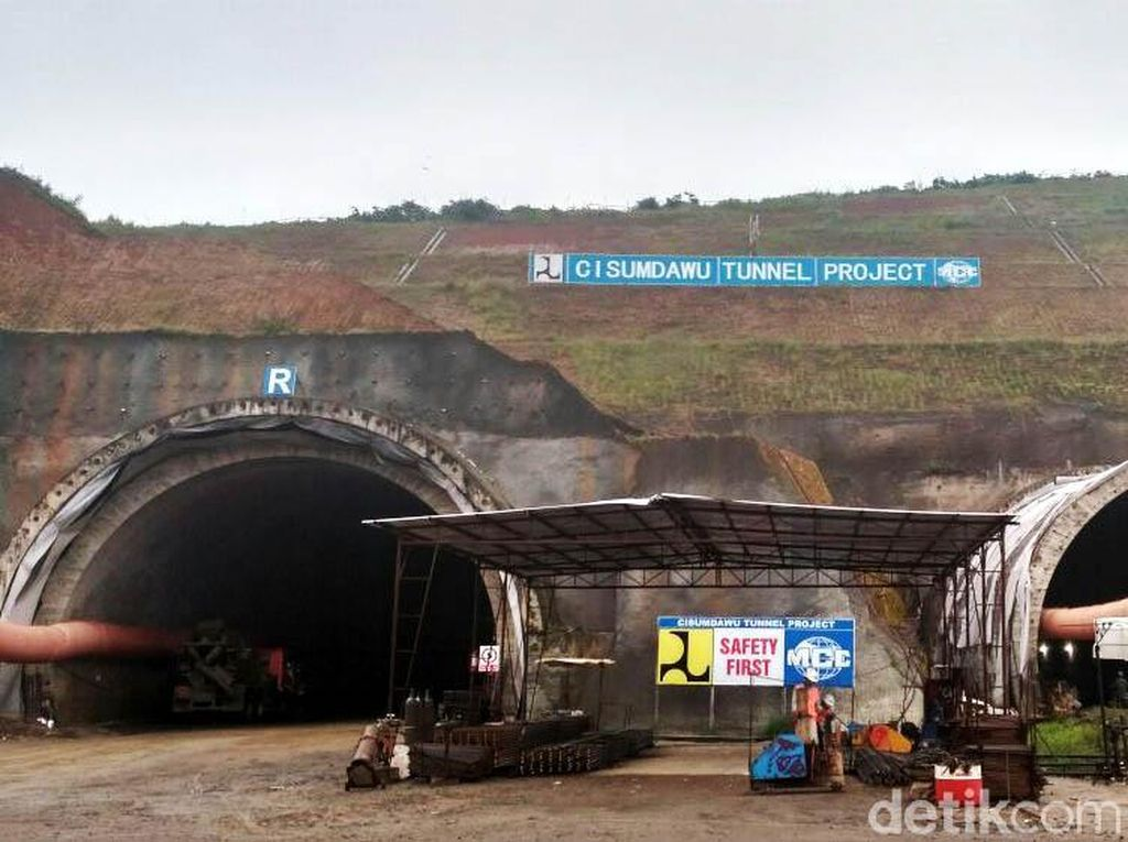 Satu Terowongan Tol Cisumdawu Sudah Tembus Bukit