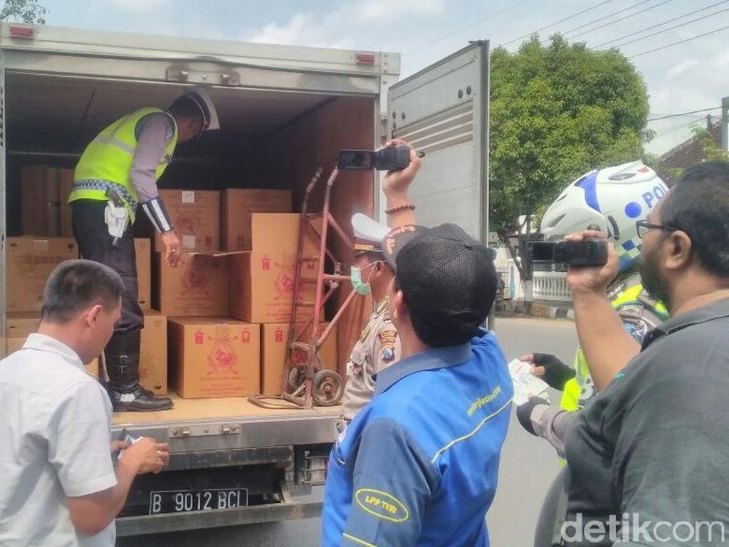 Stop Peredaran Miras Oplosan, Mobil Box dan Bus Jadi TO