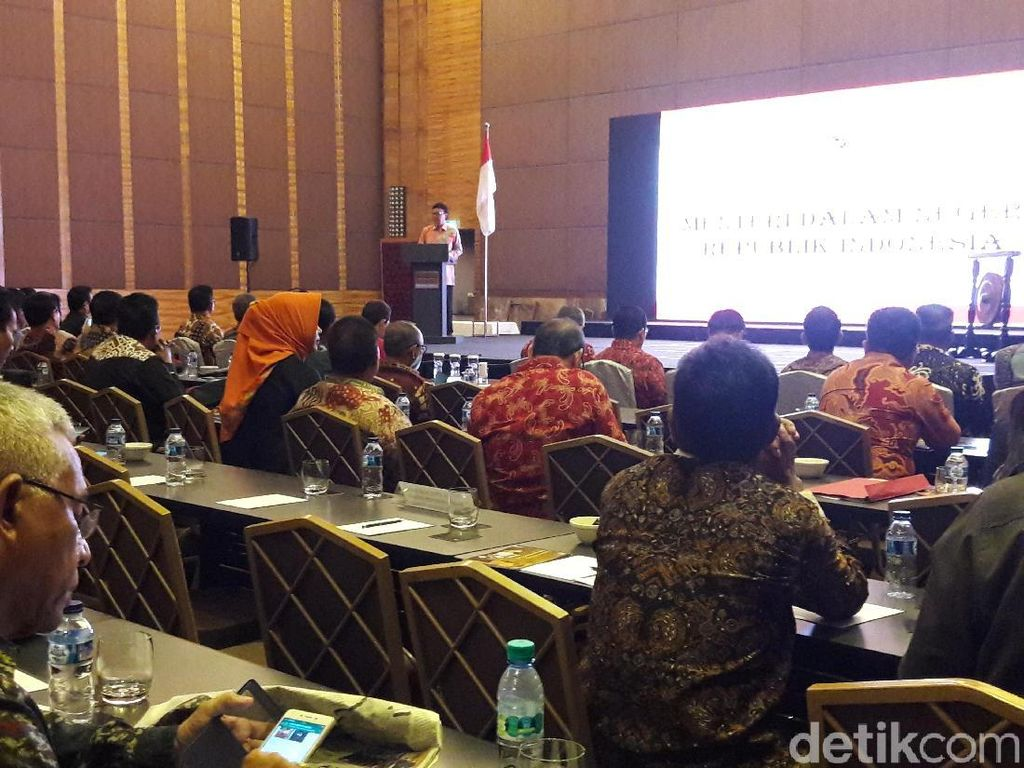Mendagri Anggap Anggota DPR Istimewa, Lalu Singgung Fadli Zon