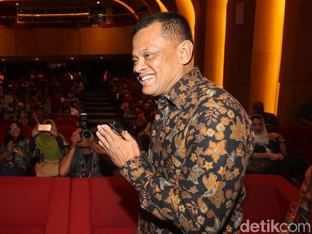 Bantah Merapat ke Prabowo-Sandi, Gatot: Saya di Tengah