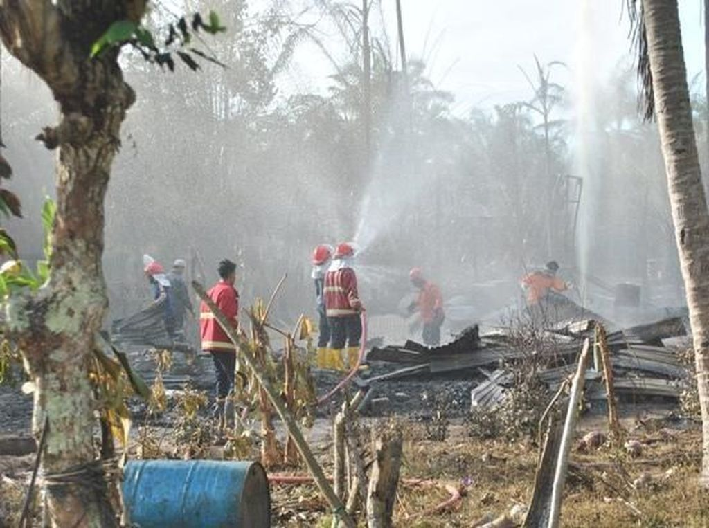 Lokasi Ledakan Sumur Minyak di Aceh Dibersihkan