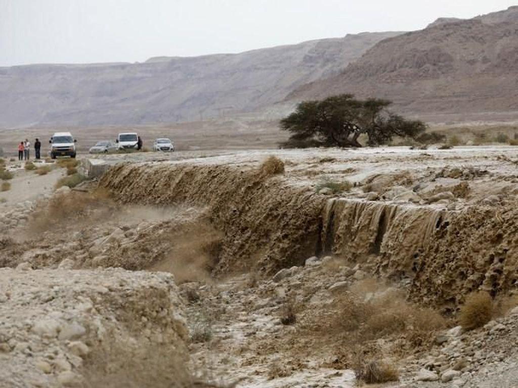 2 Remaja Tewas Akibat Banjir di Israel dan Palestina