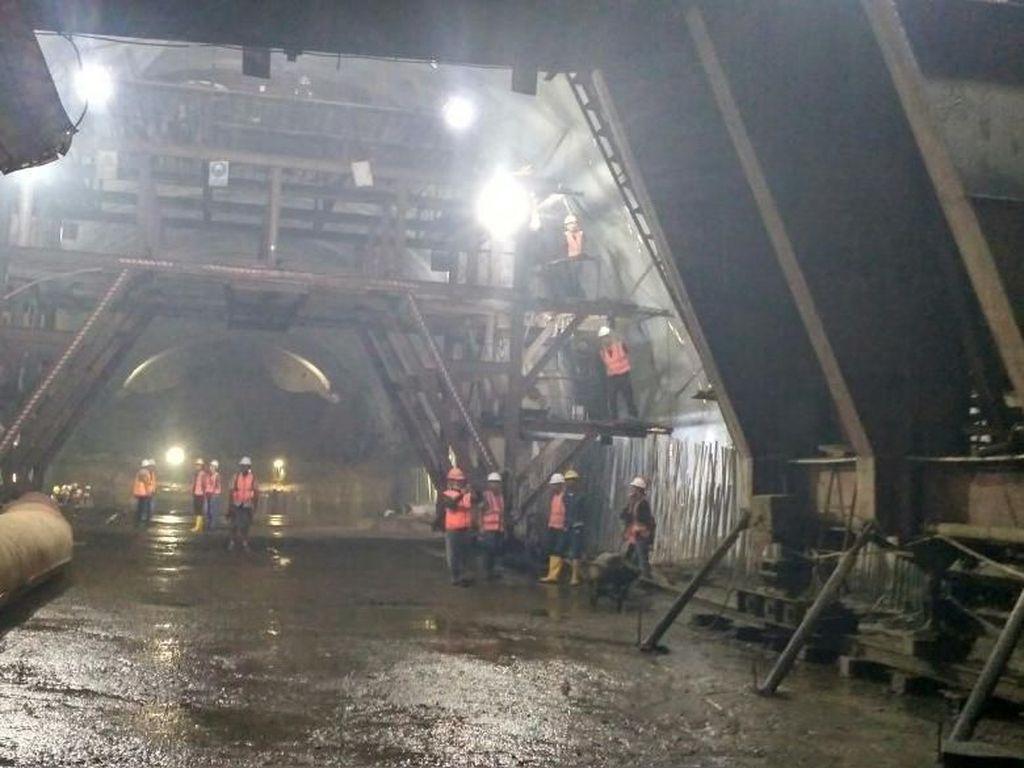 Terowongan Tembus Bukit di Tol Cisumdawu Pakai Teknologi Austria