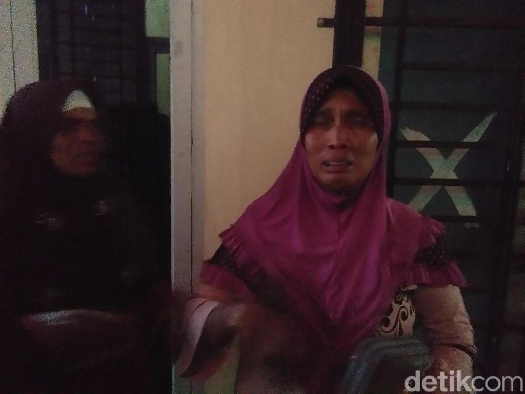 Raut Sedih Keluarga Korban Sumur Minyak Meledak di Aceh Timur