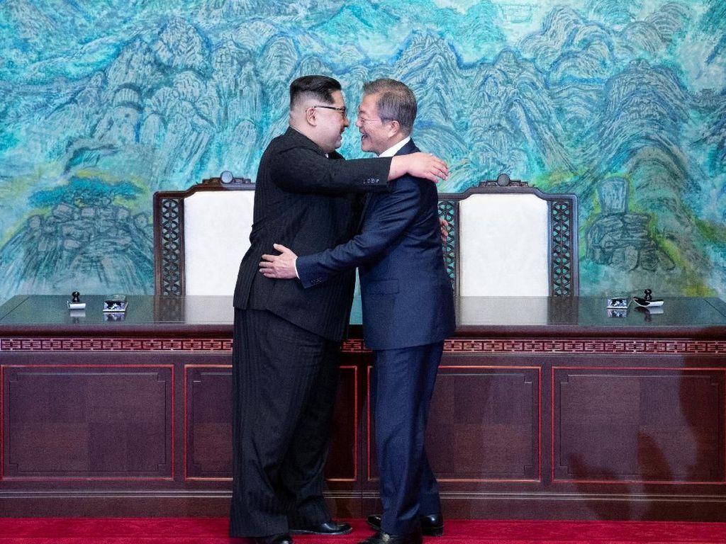 Kim Jong Un Disebut Pakai Sepatu Khusus agar Tubuhnya Tampak Lebih Tinggi