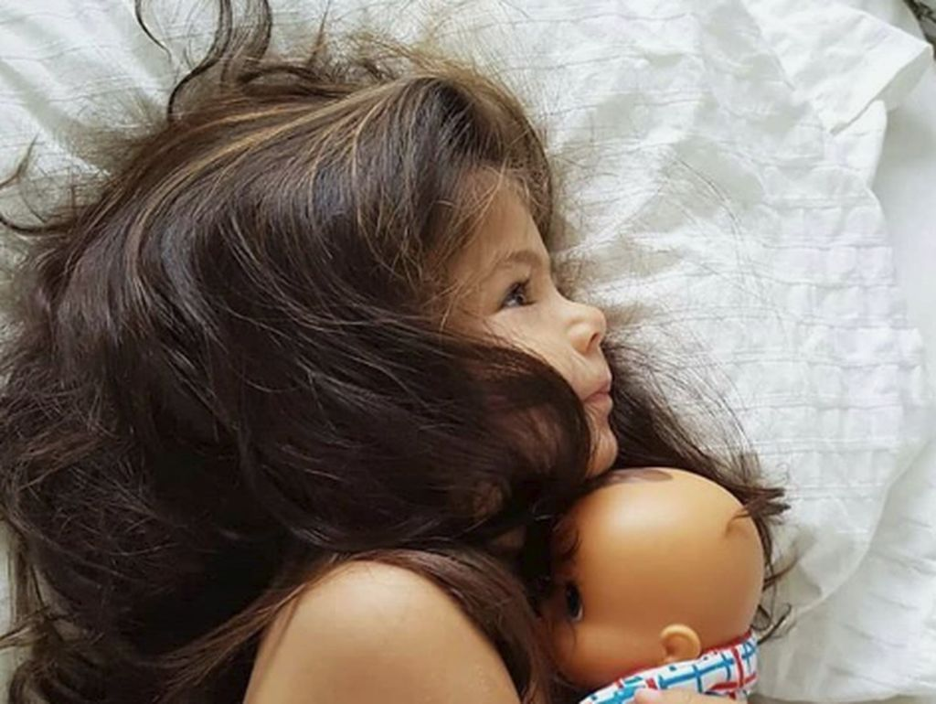 Punya Rambut Indah, Gadis Cilik Ini Disebut Mini Rapunzel