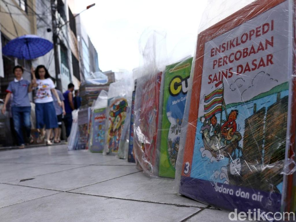 Penjualan Buku Bekas Terus Bertahan di Era Digital