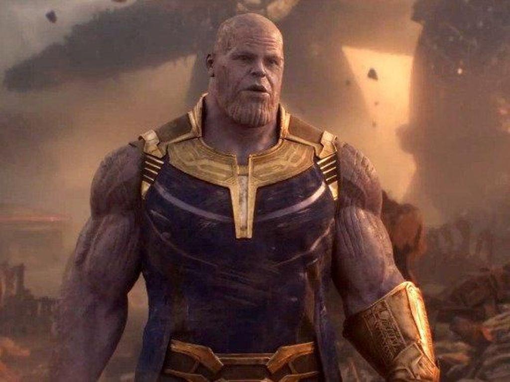 Seperti di Hot Toys, Thanos Bakal Gunakan Pedang Hadapi Avengers?