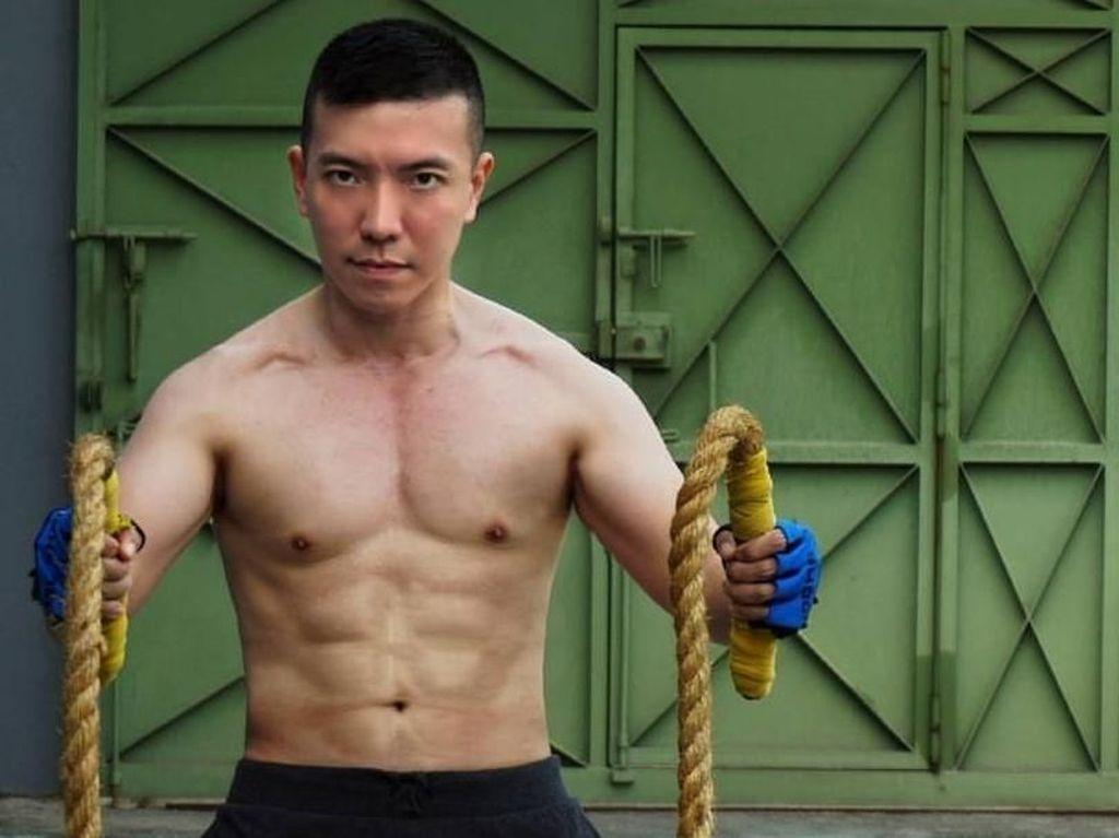 Foto: Olahraganya Dokter Ivan, TNI Ganteng Berperut Sixpack yang Viral
