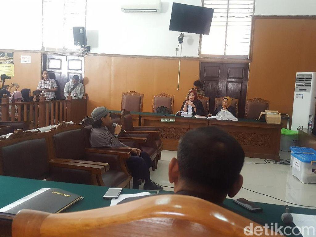 Terdakwa Teroris Bom Thamrin Sebut DPR Kafir