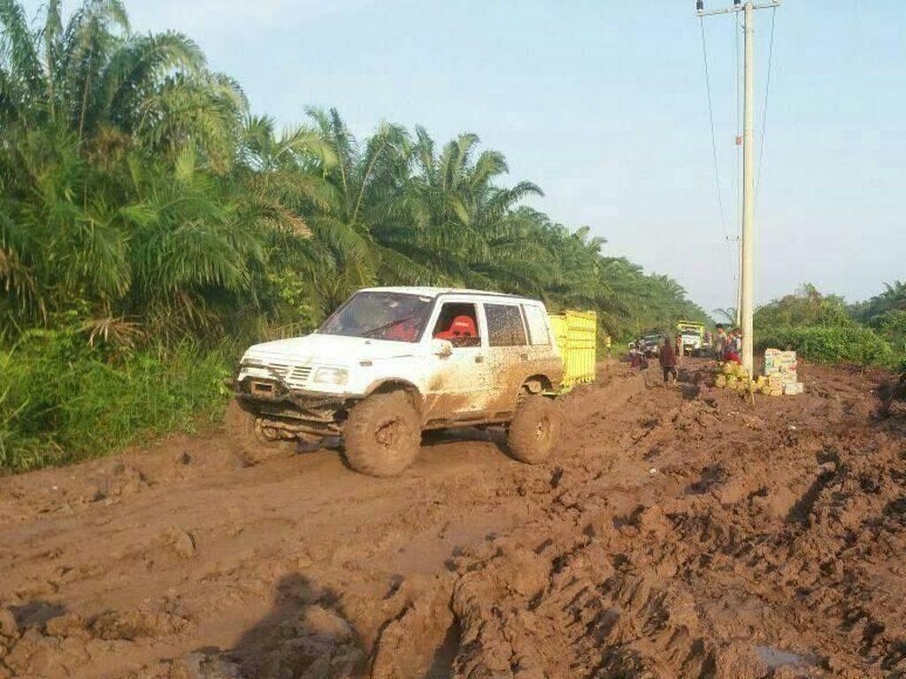 Soal Jalan Bubur, Pemkab: Selalu Diperbaiki, Tapi Lembek Jadi Rusak