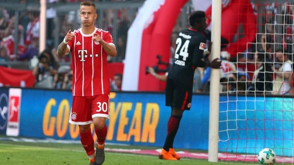 Turunkan Tim Pelapis, Bayern Tekuk Frankfurt 4-1
