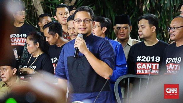 Wakil Ketua Umum PAN Ahmad Hanafi Rais saat memberi sambutan peresmian Sekretariat Bersama Gerindra-PKS, Jakarta, Jumat (27/4)
