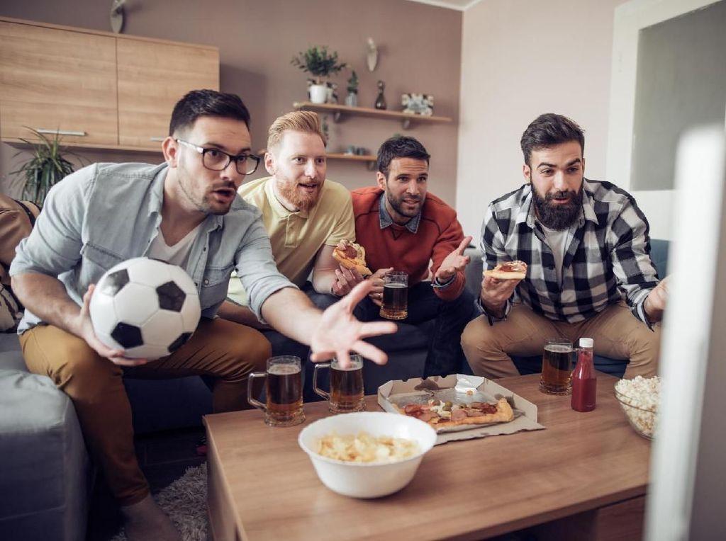 Tips Ringan Kembali Segar Usai Begadang Nonton Piala Dunia 2018