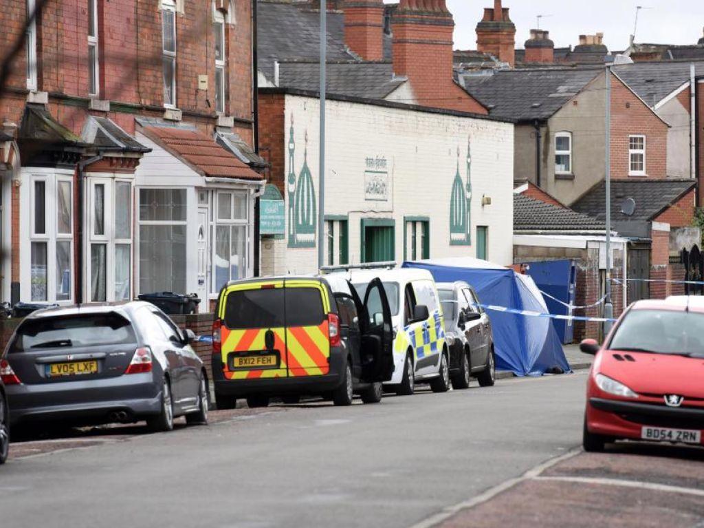 Foto: Suasana Lokasi Tabrak Lari di Luar Masjid Birmingham