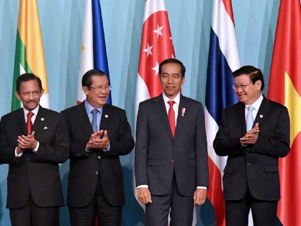 Di KTT ASEAN, Jokowi Sebut RI Kembangkan 100 Kota Pintar