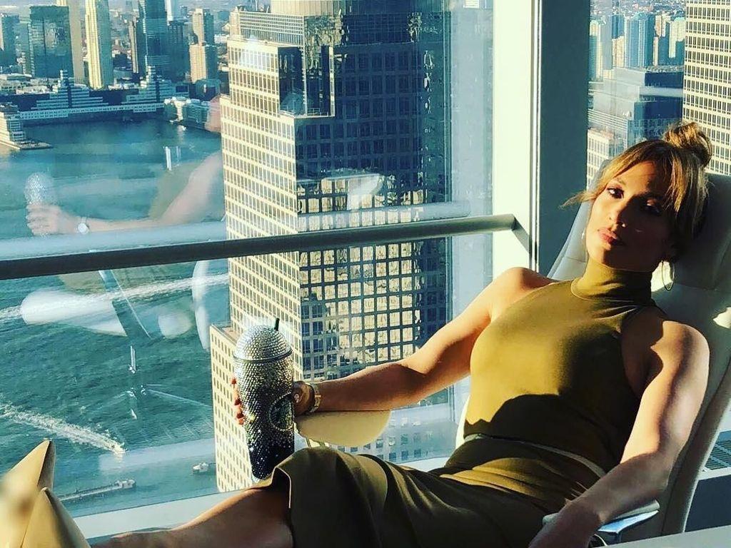 J.Lo dan Pasangan Makan Besar Untuk Rayakan Sukses Diet 10 Harinya