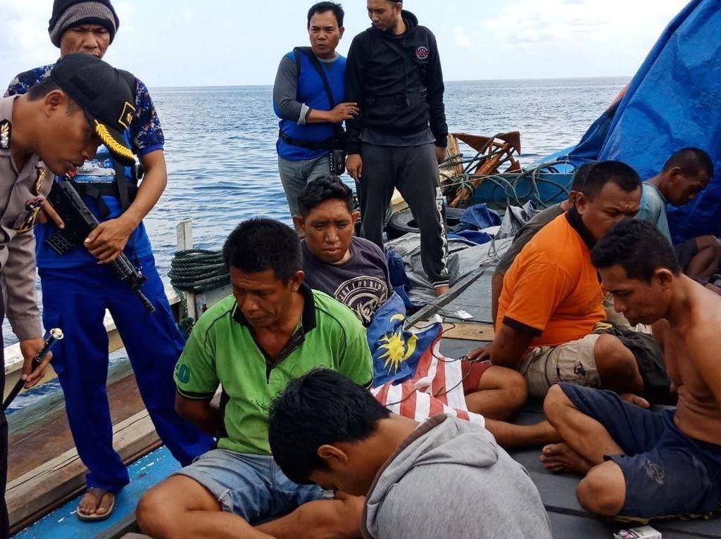 Kapal Pengangkut Bom Ikan Ditangkap