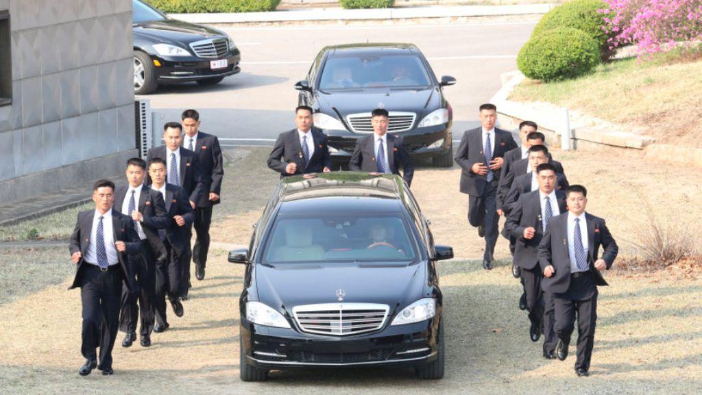 Iring-iringan Mobil Kim Jong Un, Ada WC Berjalan
