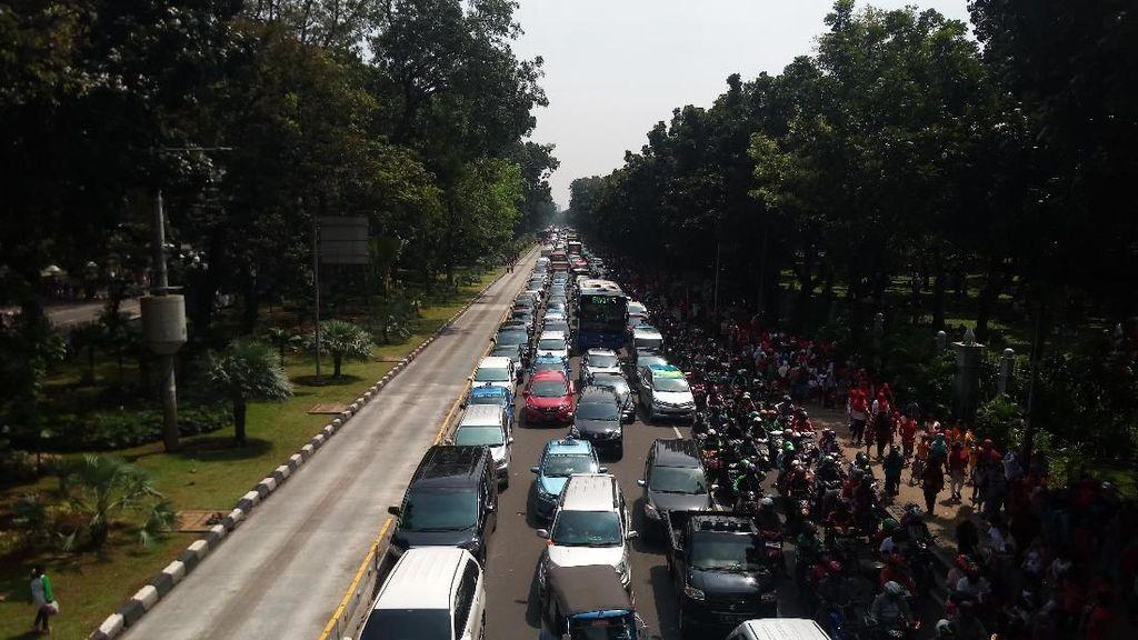 Penampakan Macet di Jalan Merdeka Barat Efek Kegiatan di Monas