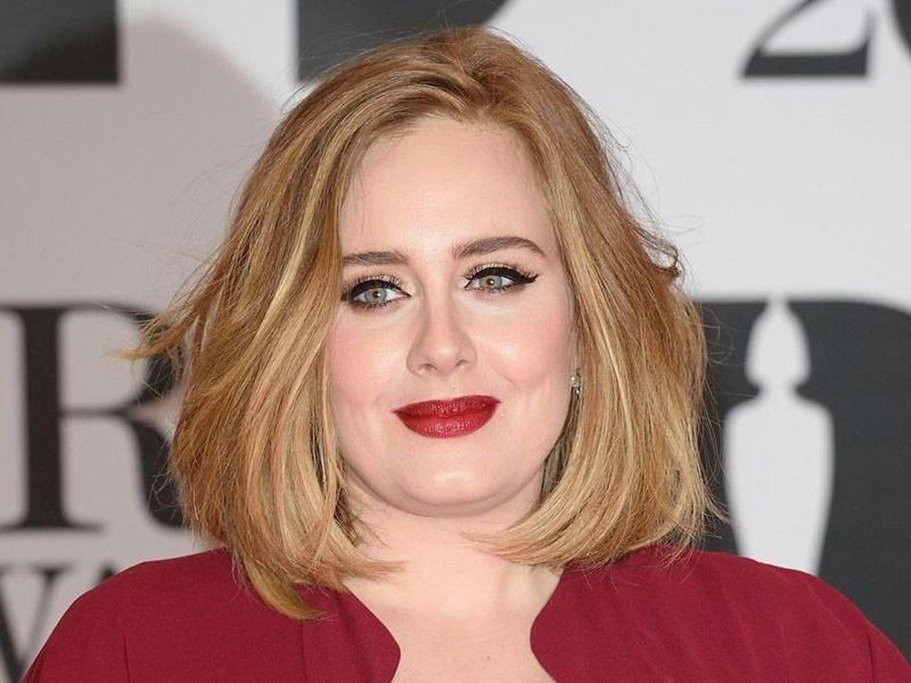 Cerai dari Suami, Bagaimana Kabar Adele?