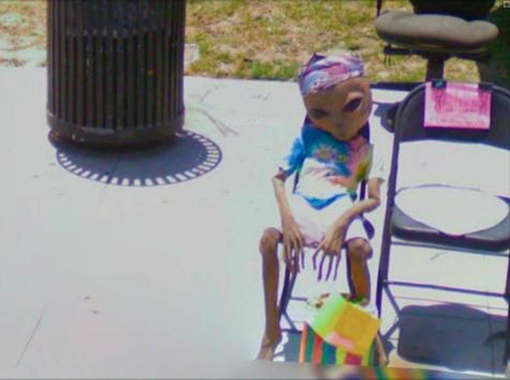 Kumpulan Gambar Aneh yang Terekam Google Street View